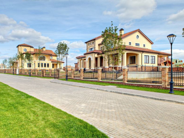 Основные аспекты строительства коттеджного поселка